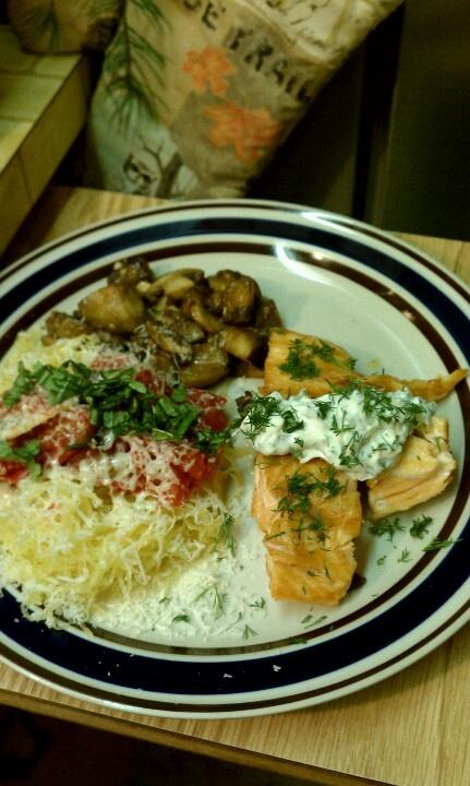 Grilled samon with dill aioli, spaghetti squash with tomatoe-basil ...