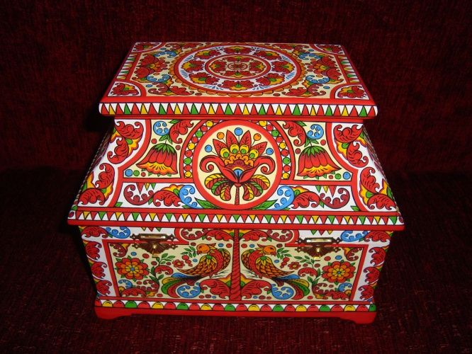 Borets painting is one of the folk arts and crafts of Russia, and a phenomenon of the so-called naive art.