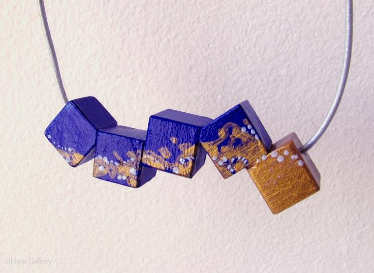 colier-cuburi-cobalt-auriu