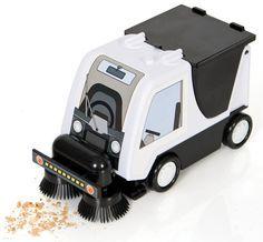 Desktop Road Sweeper Vacuum: Sweep and suck up dust and crumbs : ) via geekalerts #Road_Sweeper_Vacuum
