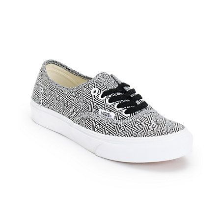 Add some texture to your footwear collection with the Vans Authentic Slim Black and White geo print shoe for girls. Built with a slim design for a feminine look, these Vans Authentic shoes have a geo print canvas upper with a vulcanized rubber outsole and