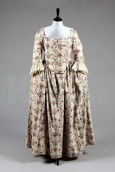 A printed cotton 'Indienne' robe, French, the - by Kerry Taylor Auctions