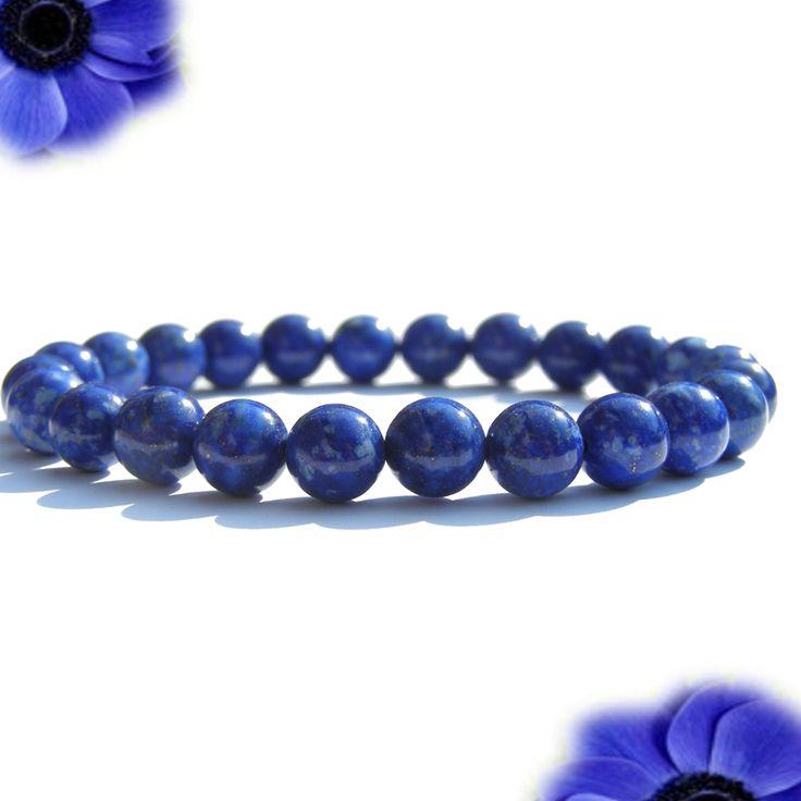Lapis Lazuli Náramok A+ kvalita  👑Buď kráľ / kráľovná vo svojom vlastnom kráľovstve. 👑 . Mám slobodu a silu vytvárať život, ktorý si želám. . Energia lapisu vám pomôže objaviť svoj skutočný potenciál. Čím lepšie poznáme svoje schopnosti, tým viac máme svoj život v rukách. Ľahšie sa zbavíme zlozvykov, usporiadame si život podľa našich prianí a prevezmeme za neho plnú zodpovednosť. . kameň sebapoznania . Tmavá modrá tohto kameňa predstavuje večernú oblohu, a škvrny pyritu predstavujú…