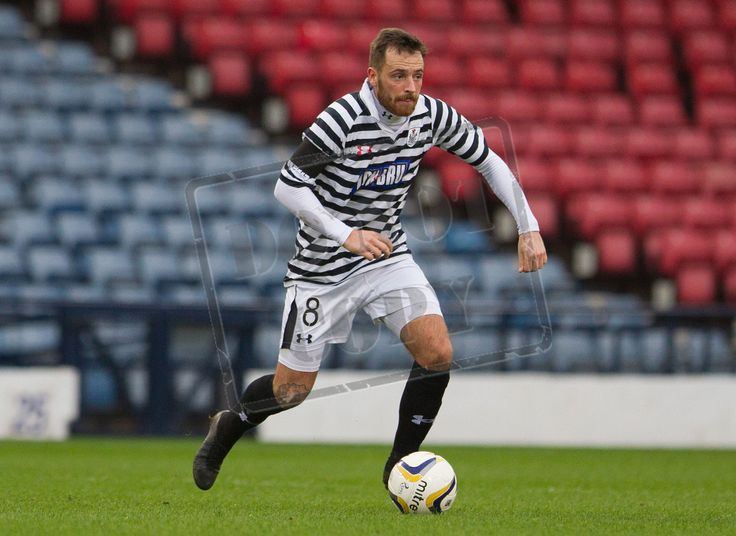 Queen's Park's Darren Miller on the ball during the SPFL League Two game between Queen's Park and East Fife