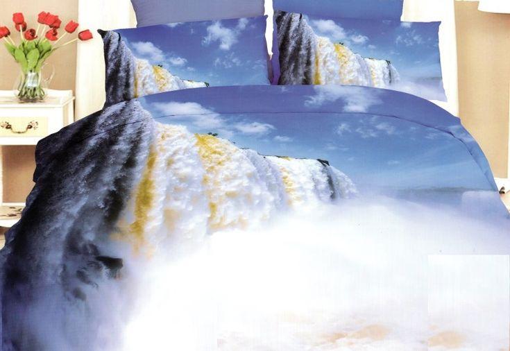 Posteľná obliečka modrej farby s motívom divokých vodopádov