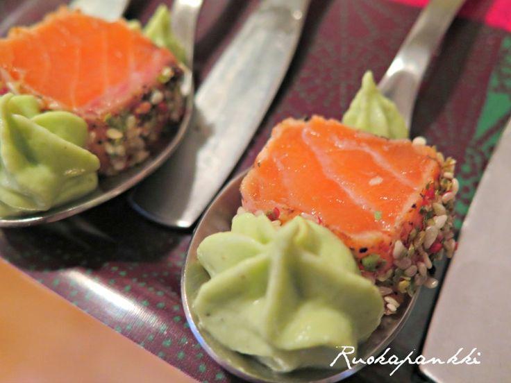 Ruokapankki: Lohipastrami wasabitahnalla #ruokapankki #salmon #lohi #foodie #food #ruokablogi #foodblogger #wasabi #amusebouche #fingerfood