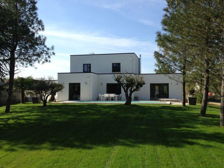 """Photo Enfin avec la pelouse tondue - Facade sud - Vienne (86) - Projet """"Maison Contemporaine Toit Terrasse / Toit Plat"""" - ForumConstruire.com"""