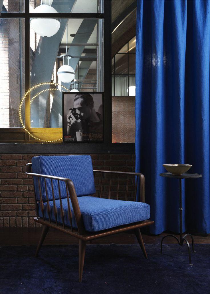 Blaue Vorhänge von Carlucci. Wirz Tapeten - www.wirzwelt.ch