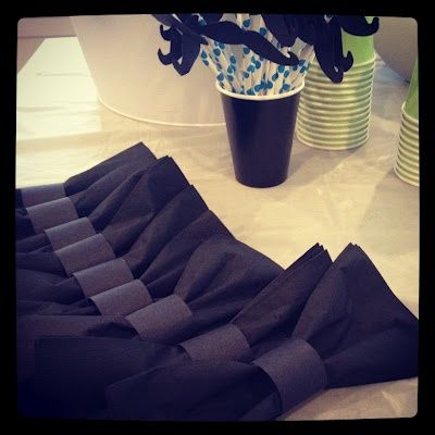 Bow tie napkins for the New Year's Eve party