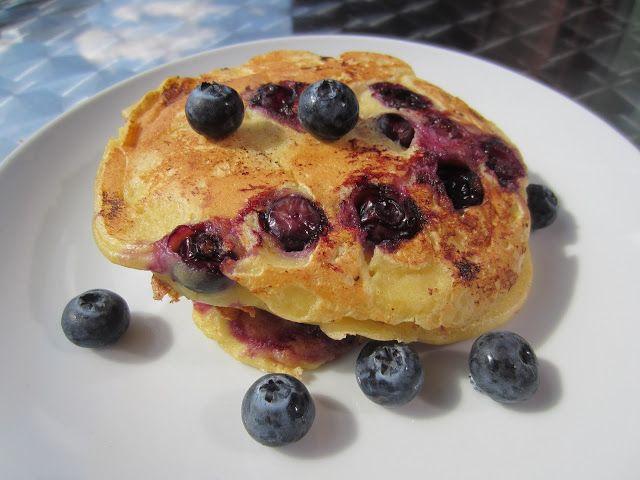 Gunns momsemat: Yoghurtpannekaker med blåbær og sitron