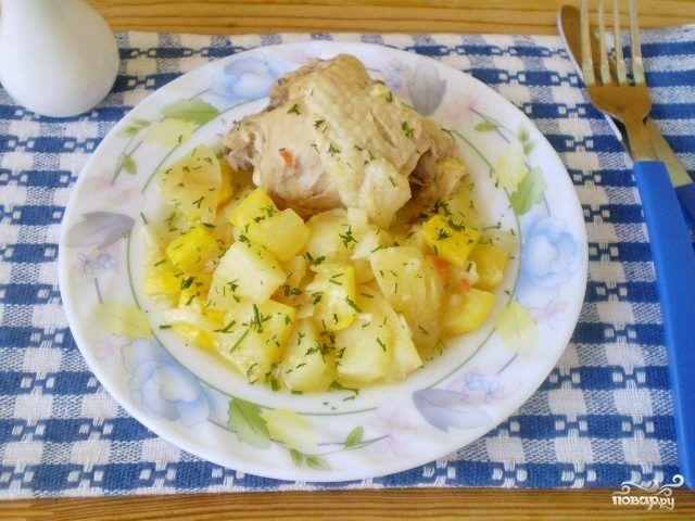 Курица с овощами и кабачками