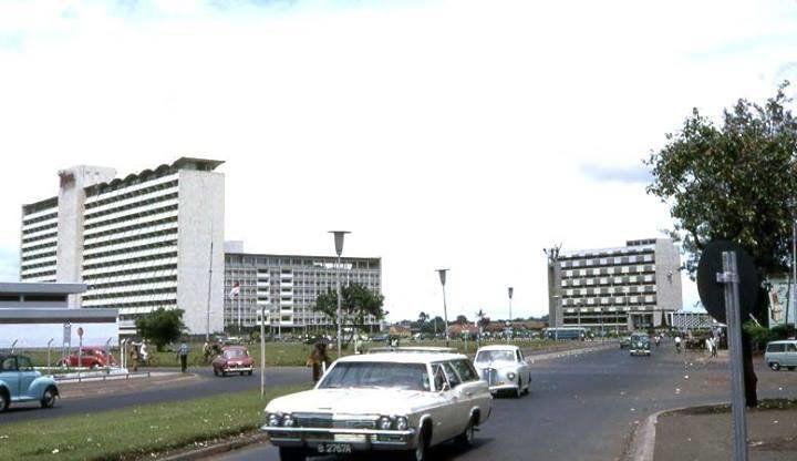 Suasana Semanggi th 1964, mirip kota di Eropa:JLn MH Thamrin Taon 1970an:Wajah Katika Plaza ditahun 1972:Dukuh Atas Th. 1971:Terminal Lapangan Banteng 1971:Terminal Blok M diawal th 1970an:T…