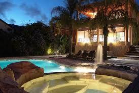 Une villa pour 10 personnes avec une piscine privée, jacuzzi