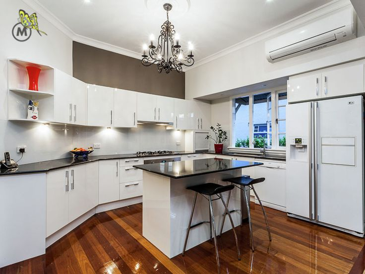 In love with the #chandelier #kitchen #forsale #MHRE #Kedron #propertysale
