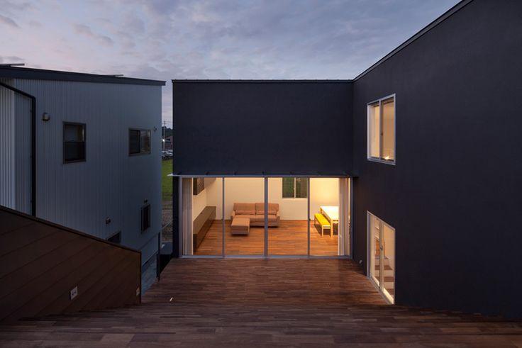 Stepped Terrace House by HUG