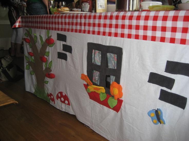 tafeltent, met plukappeltjes en bloemetjes