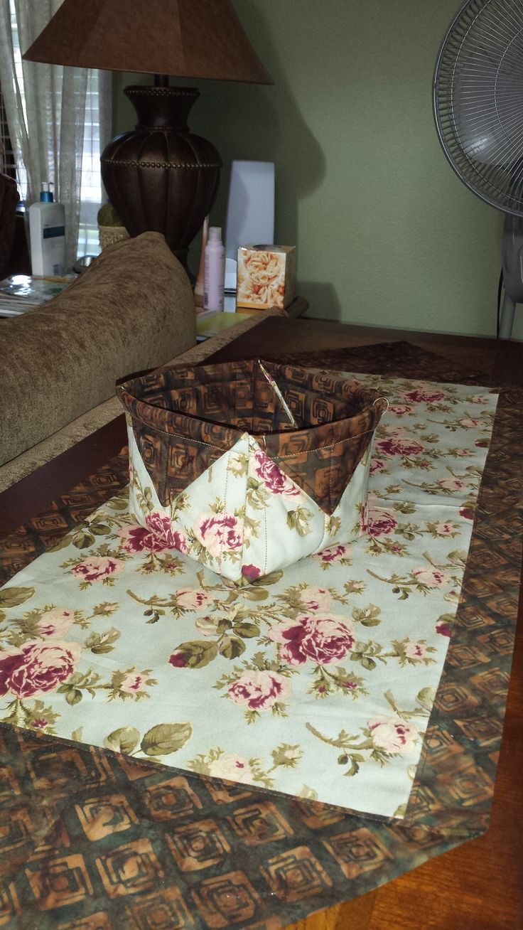 Ten Minute Table Runner And 30 Minute Fabric Box