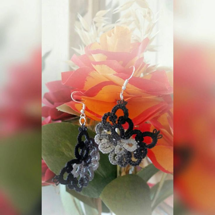Mourning Veil -earrings, tatted by Lankapuu on Etsy