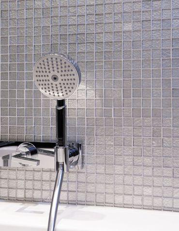 Silver tiled bathroom interior. Interior architecture | Ramsoskar