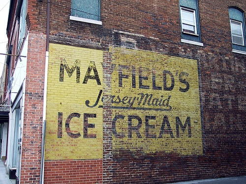 Mayfield's Ice Cream - Harriman, Tennessee by kyfireenginephoto, via Flickr