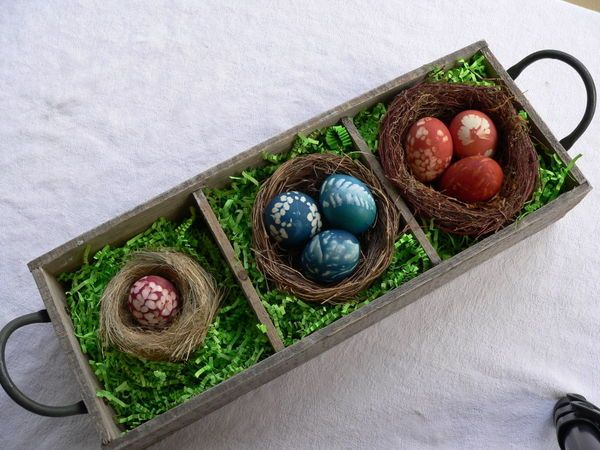 Make natural dyes for your Easter eggs from your garden fodder and edibles