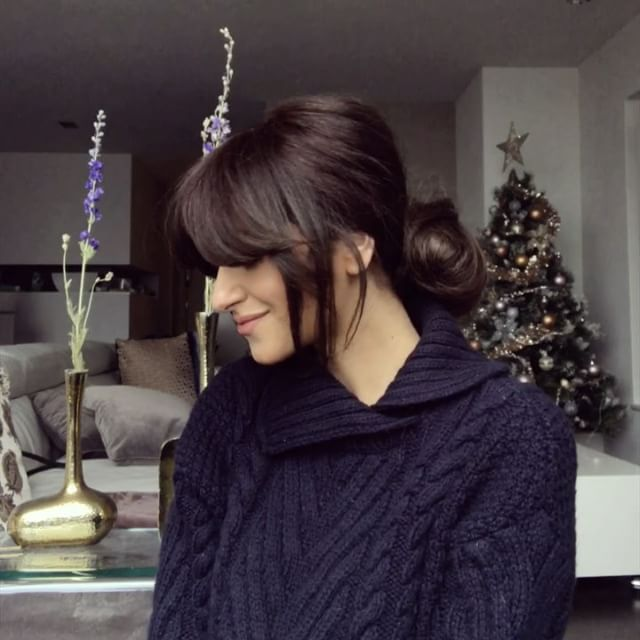 A messy chignon for those lazy, cozy weekends