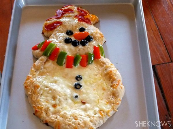 Snowman pizza to make for Christmas get togethers