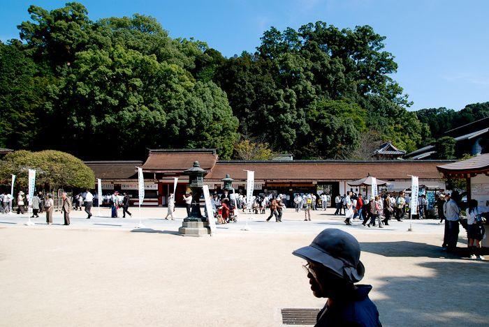 太宰府天満宮の境内は、凛とした夏の空気が漂う。