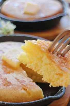 スキレットで焼くパンケーキは、フライパンで焼くのと全然違う!