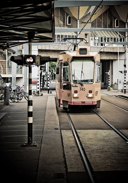 Tram is Coming, Rotterdam City