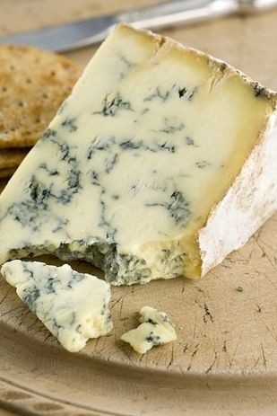 Lagavulin Scotch with blue cheese | 12 Whiskey And Food Pairings You Need To Know About