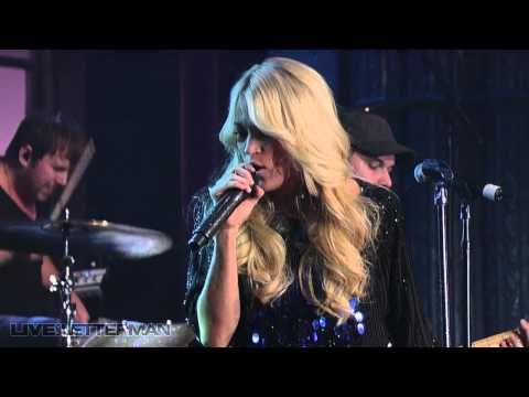 Carrie Underwood - Undo It (Live on Letterman)