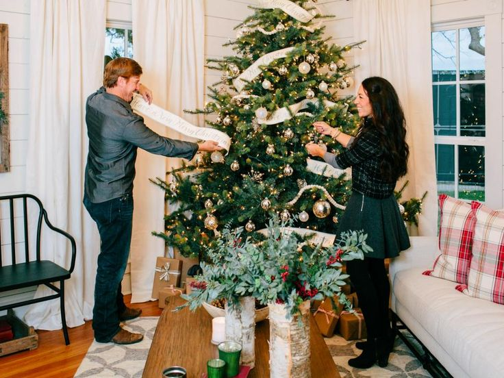 A chip and joanna holiday photo album joanna gaines for Chip and joanna gaines bed and breakfast