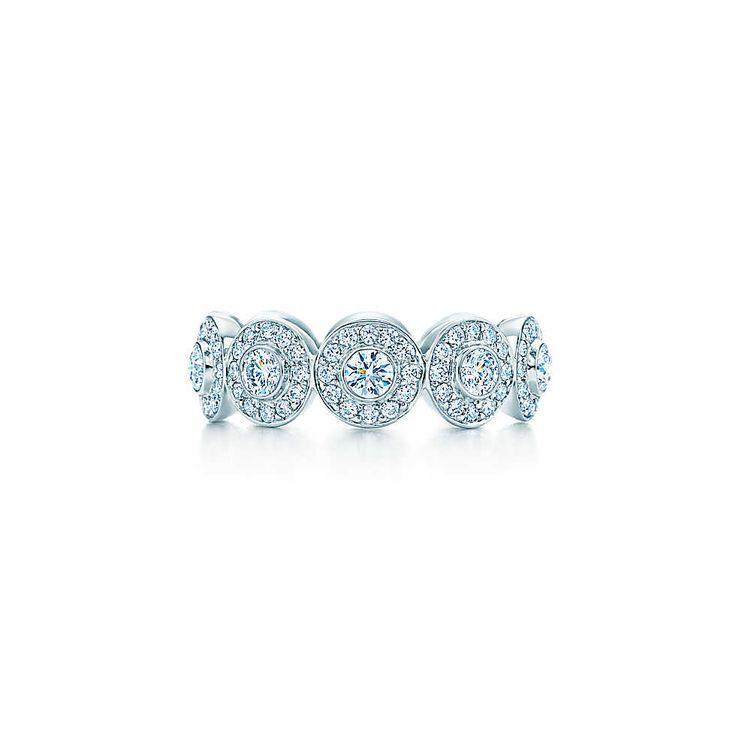 Tiffany Circlet – Bandring aus Platin mit Diamanten. | Tiffany & Co.