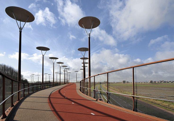 Fiets- en wandelbrug Jan Waijerbrug. Foto: Erwin Dijkgraaf fotografie