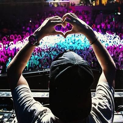 Grammy Nominated DJ #Avicii recently announced his India tour slated for December this year.