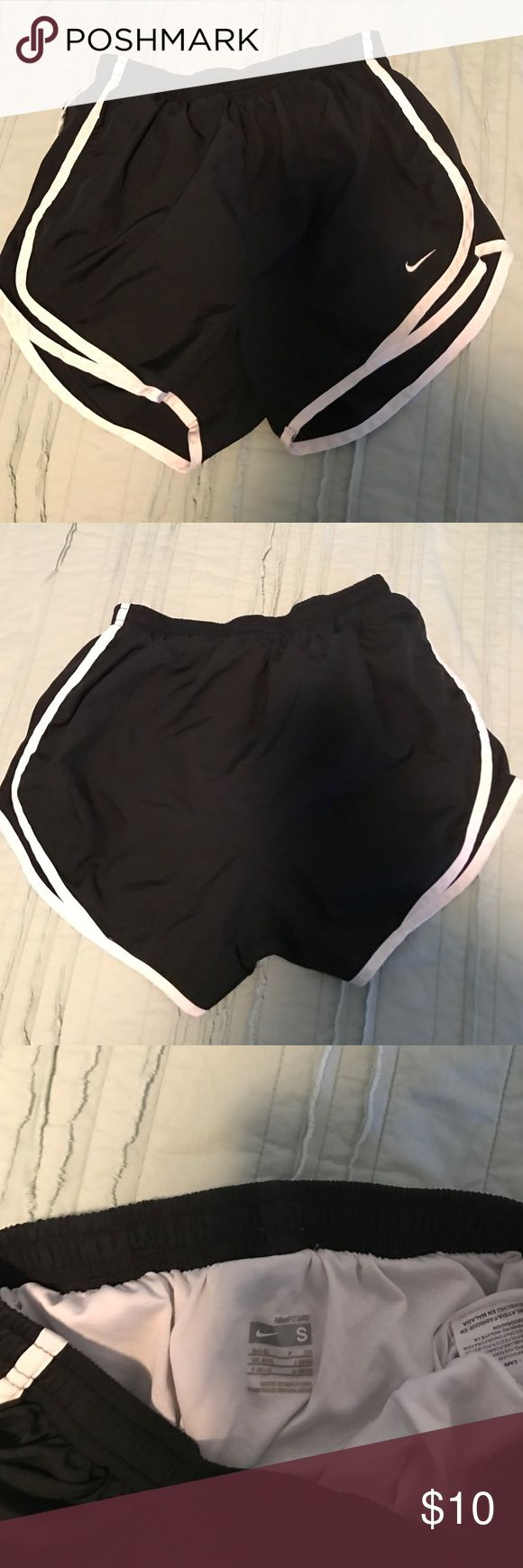 Nike shorts Black Nike workout shorts size S Nike Shorts