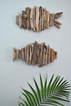 40 Fun and Sunny Beach Crafts - Driftwood Fish http://www.bigdiyideas.com