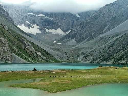 Tadschikistan Urlaub im Tadschikistan Reiseführer http://www.abenteurer.net/2971-tadschikistan-reisefuehrer/