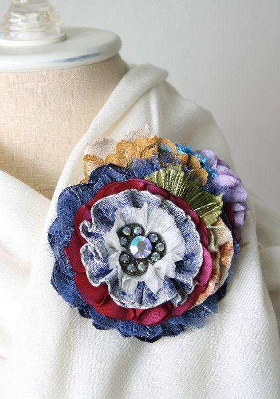 Большая брошь цветок из ткани - Красочный сад Блум
