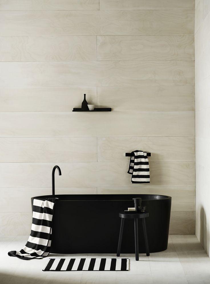 #WestwingNL. Black Bathroom. Voor meer inspiratie: westwing.me/shop
