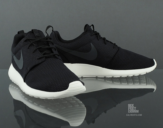 nike roshe run junior white zombies