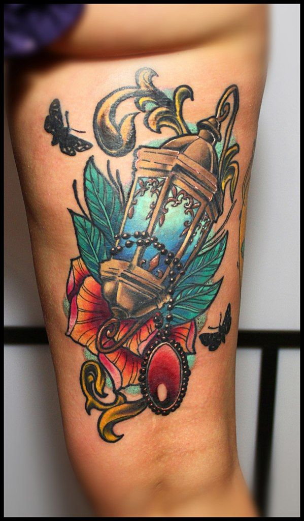78+ images about Lantern tattoo on Pinterest | Green ...