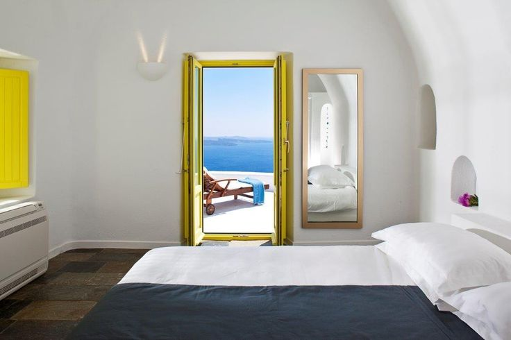 The Architect's House Villa in #Santorini can accommodate up to six guests very comfortably. http://www.tresorhotels.com/en/hotels/52/the-architect-rsquo-s-house#content