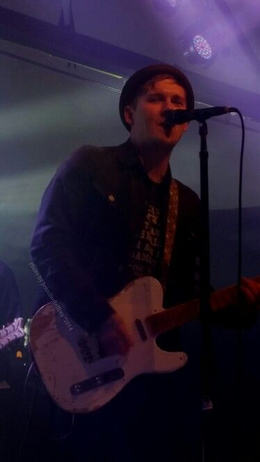 *sigh* Brian Fallon of The Gaslight Anthem performing at Cain's Ballroom in Tulsa, Ok on Oct 3, 2014. ♡ Photo by Jennifer Jeffrey