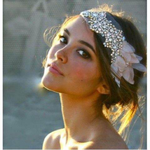 Sequin headband. I would love to be able to pull this off!