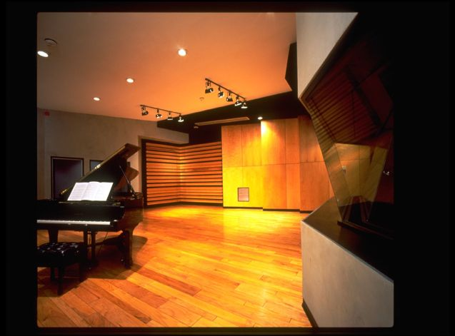 NRG Recording Studio A Features Live Tracking Room With 3 Iso Booths And Producer Lounge That Can Double As Booth Also Yamaha
