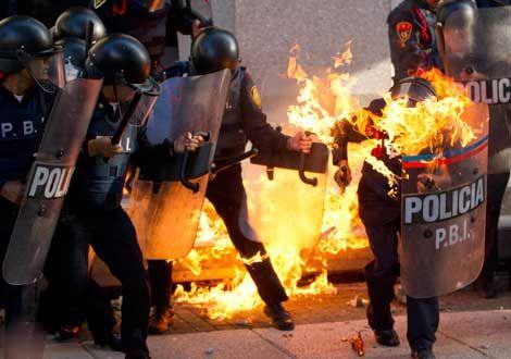 ¿Represión y abuso policiaco o al policía?