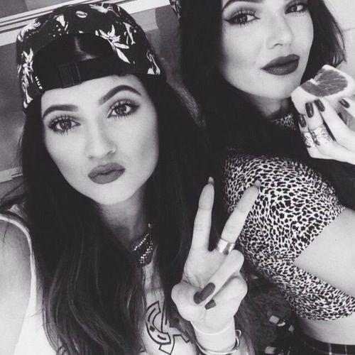 Jenner Sisters: Kylie Jenner & Kendall Jenner