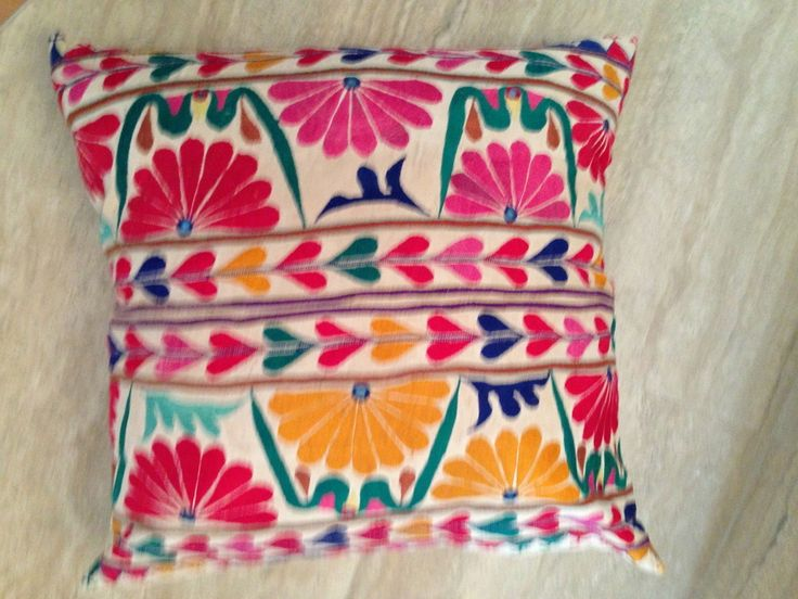60X60 CM BOLD AND BRIGHT HAND EMBROIDERED VINTAGE CUSHION COVER